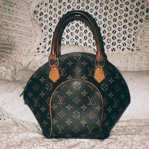 Handbags - 1997 VINTAGE ellipse LOUIS VUITTON handbag